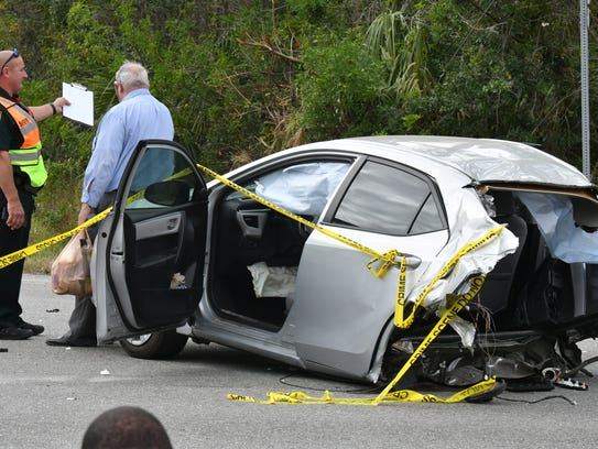 A fatal 3 vehicle crash on the intersection of Turtle