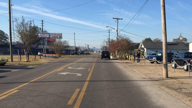 A man's body was discovered in the front yard of Hope House Ministries on West Pine Street this morning, according to Hattiesburg Police Department. The street has been blocked off, but here is a photo of the West Pine Street area where body was found.
