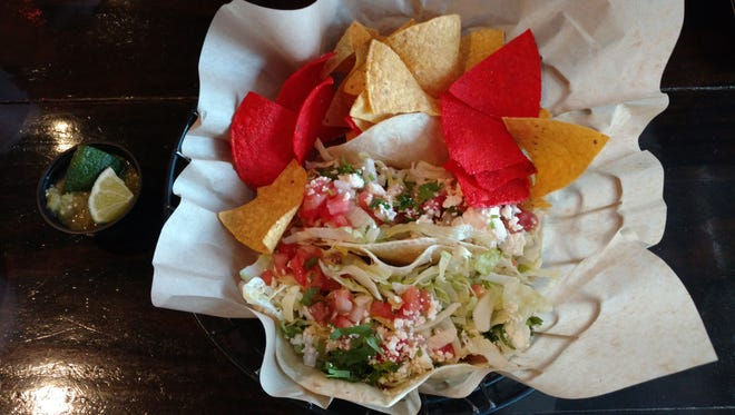 A picture of the Tacos and Chips at Taco Republik.