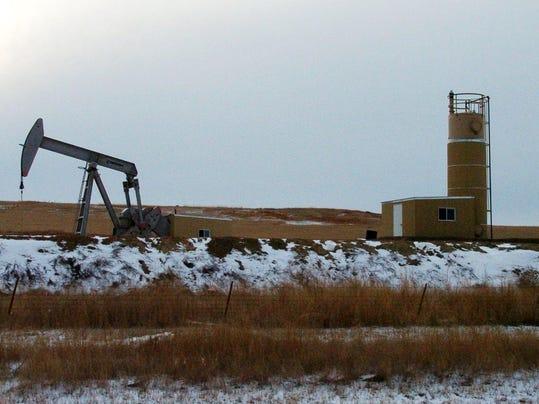 -Oil drilling for online.jpg_20121129.jpg