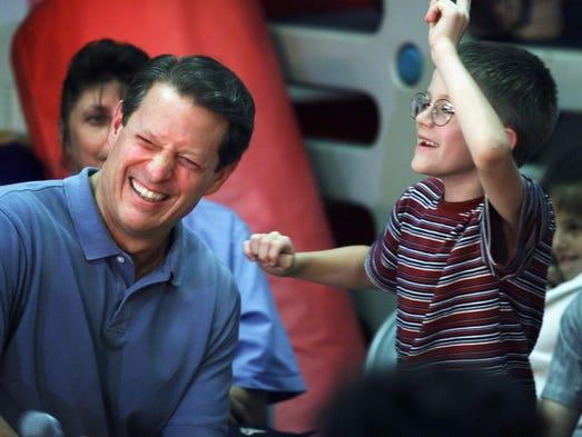Al Gore reports for jury duty in Nashville