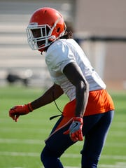 UTEP defensive back Kalon Beverly looks over the offense as the play develops during practice as the Miners prepare for their season opening game against OU Saturday in Norman, Ok.