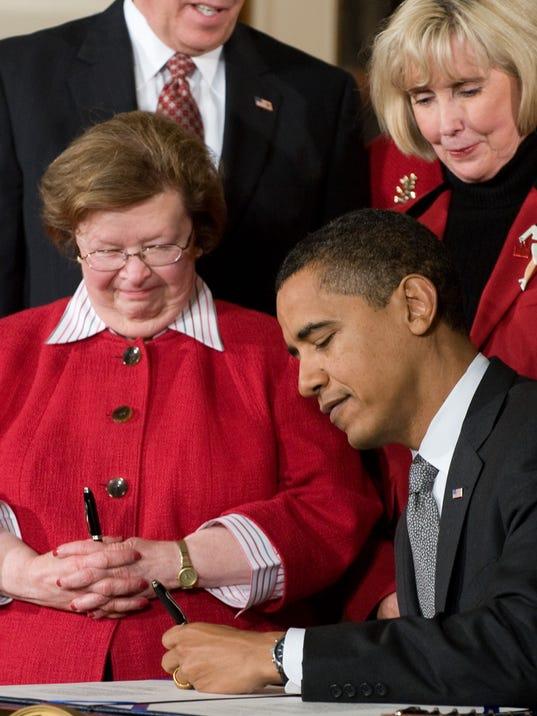 AFP US-POLITICS-OBAMA-WAGES A GOV USA DC
