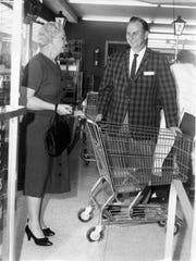 "Howard ""Smilin' Smitty"" Smith greets customers at Smitty's"