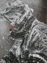 Snow and wind figure to make travel miserable late Monday and Tuesday