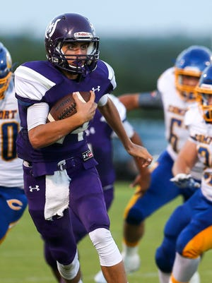 Mason quarterback Otto Wofford helped the Punchers defeat Goldthwaite 45-7 last week, bumping the Punchers up one spot to No. 5 in the Class 2A state rankings.