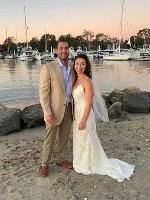 "Danielle Chelminsky wed  Jonathan ""Jon"" Pomeraniec in Campo Beach, Westport, Connecticut."