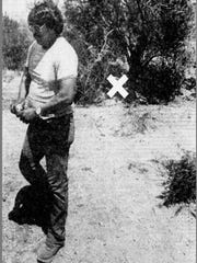"Ray Thomas, an employee of the Papago Chemical Co., leaves the area, indicated by an ""X,"" where he found Gary Tison's body in an Arizona Republic archive from Wednesday, Aug. 23, 1978."