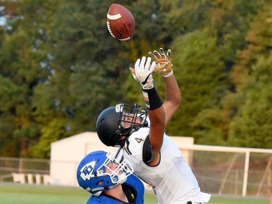 Buffalo Gap's Jay Johnson reaches for a pass intended