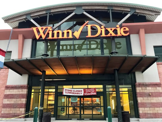 The Winn-Dixie supermarket on the northwest corner