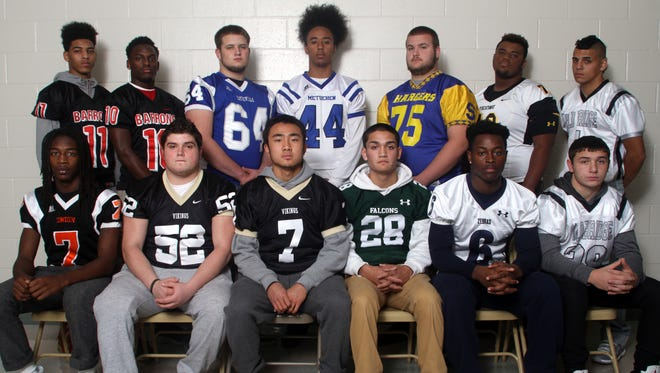 Home News Tribune all-area offensive football players (back row, L to R) Quaasim Glover, Woodbridge; Tracy Fudge, Woodbridge; Anthony Porcaro, Sayreville; Devin Miller, Metuchen; Lou Vacca, Spotswood; Terrell Hagans, Piscataway; Jake Esposito, Old Bridge.