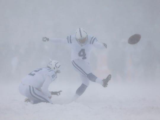 Indianapolis Colts kicker Adam Vinatieri (4) misses