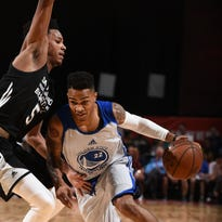 Keifer Sykes of the Golden State Warriors handles the ball against the San Antonio Spurs during the 2016 NBA Las Vegas Summer League on Saturday.