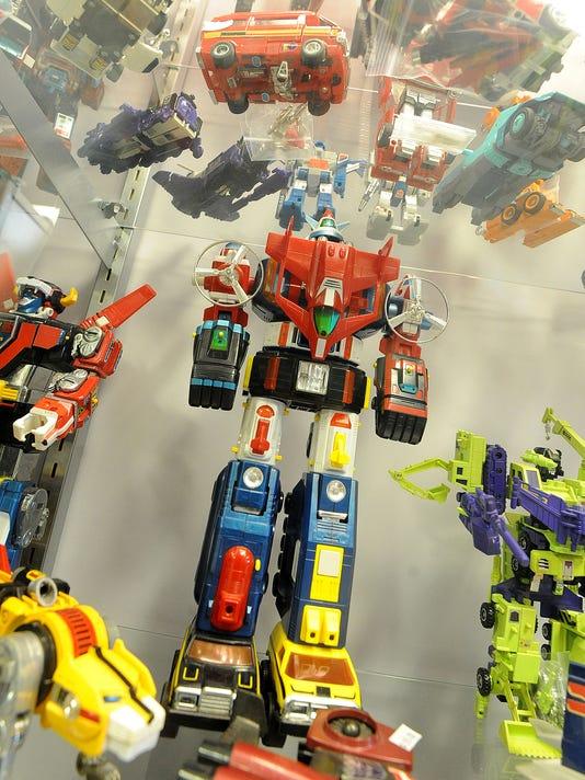 MNJ 0327 Toy Hunters 03.jpg