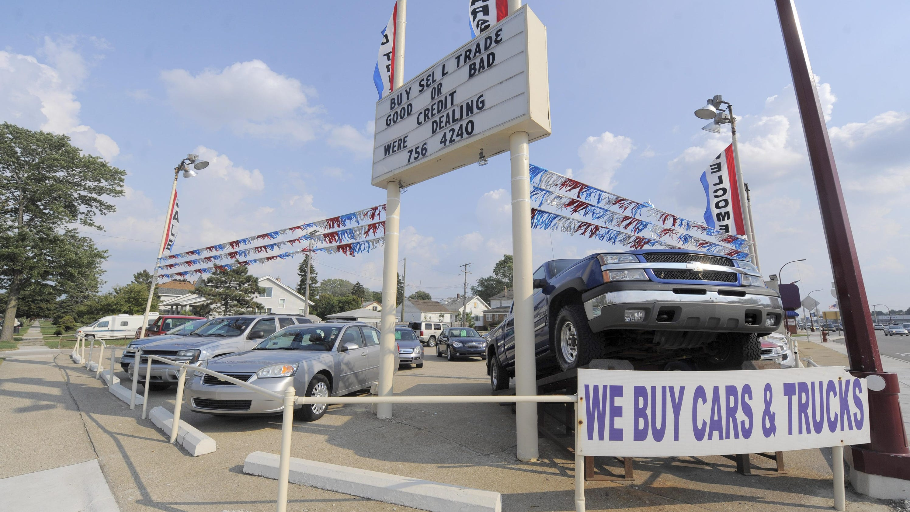 Glut of used cars drives down prices