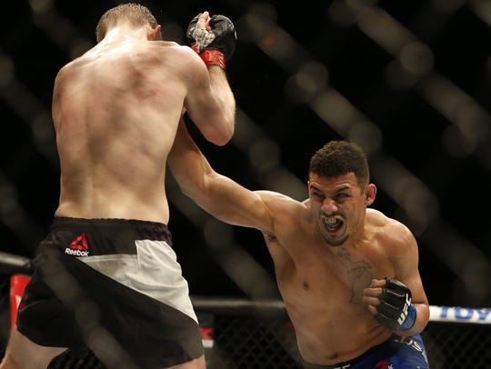 Drakkar Klose in a UFC match.