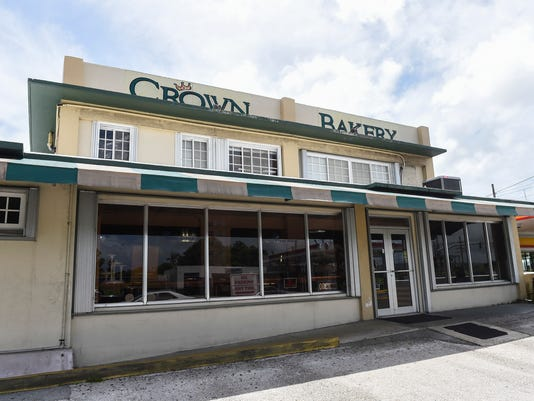 636679018689452957-crown-bakery-01.jpg