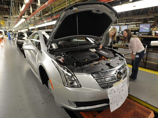 Labor costs per vehicle at GM will drop to $2,350 in 2019 from $2,374 in 2014.