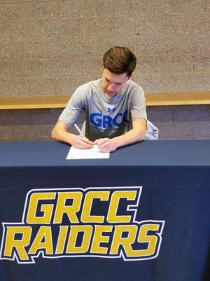 Saranac's Derek Hopkins signed to run at Grand Rapids Community College.