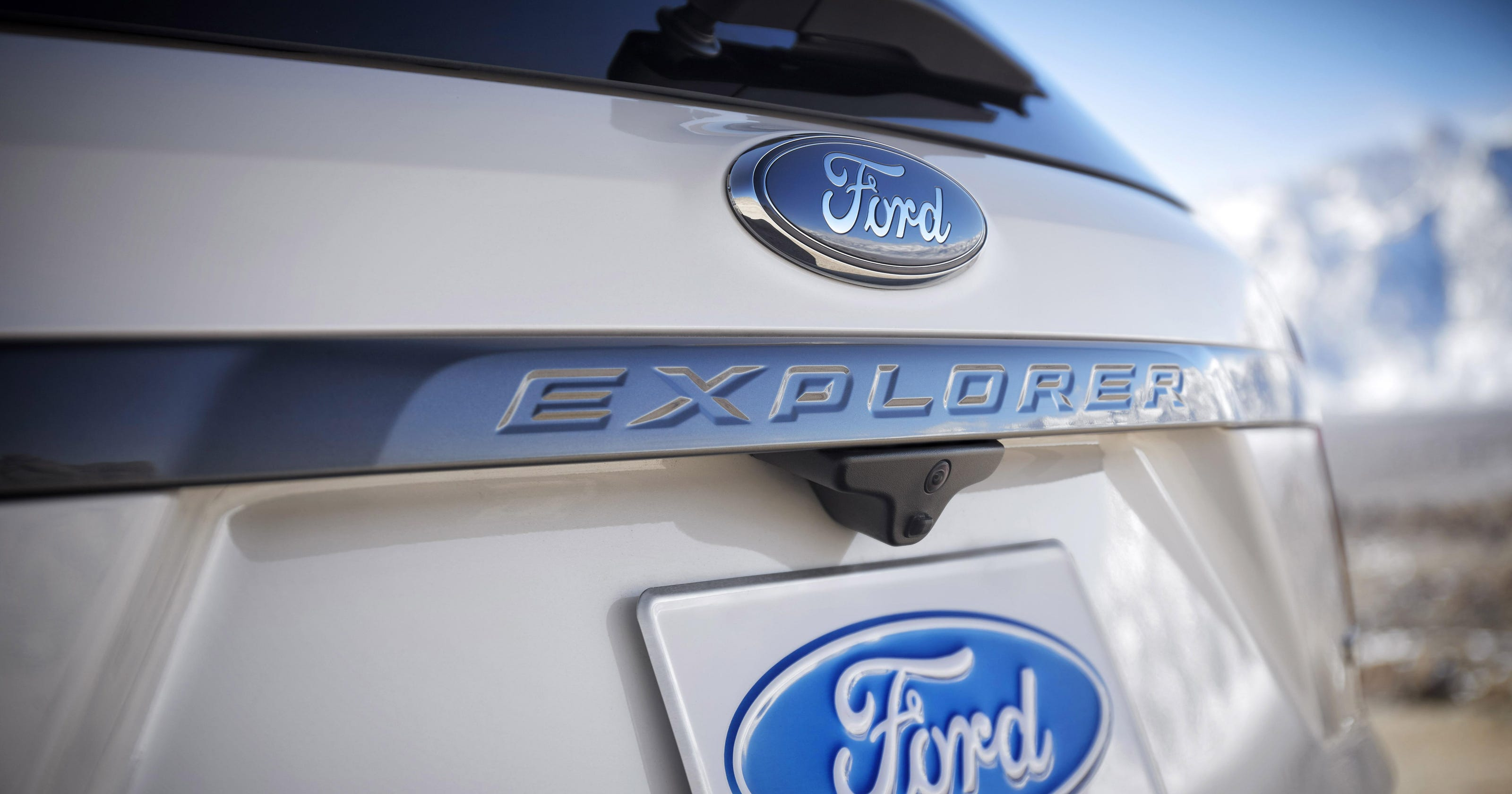 Ford Explorer Exhaust Leak >> Ford Says It Will Modify 2011 2017 Explorers To Avoid