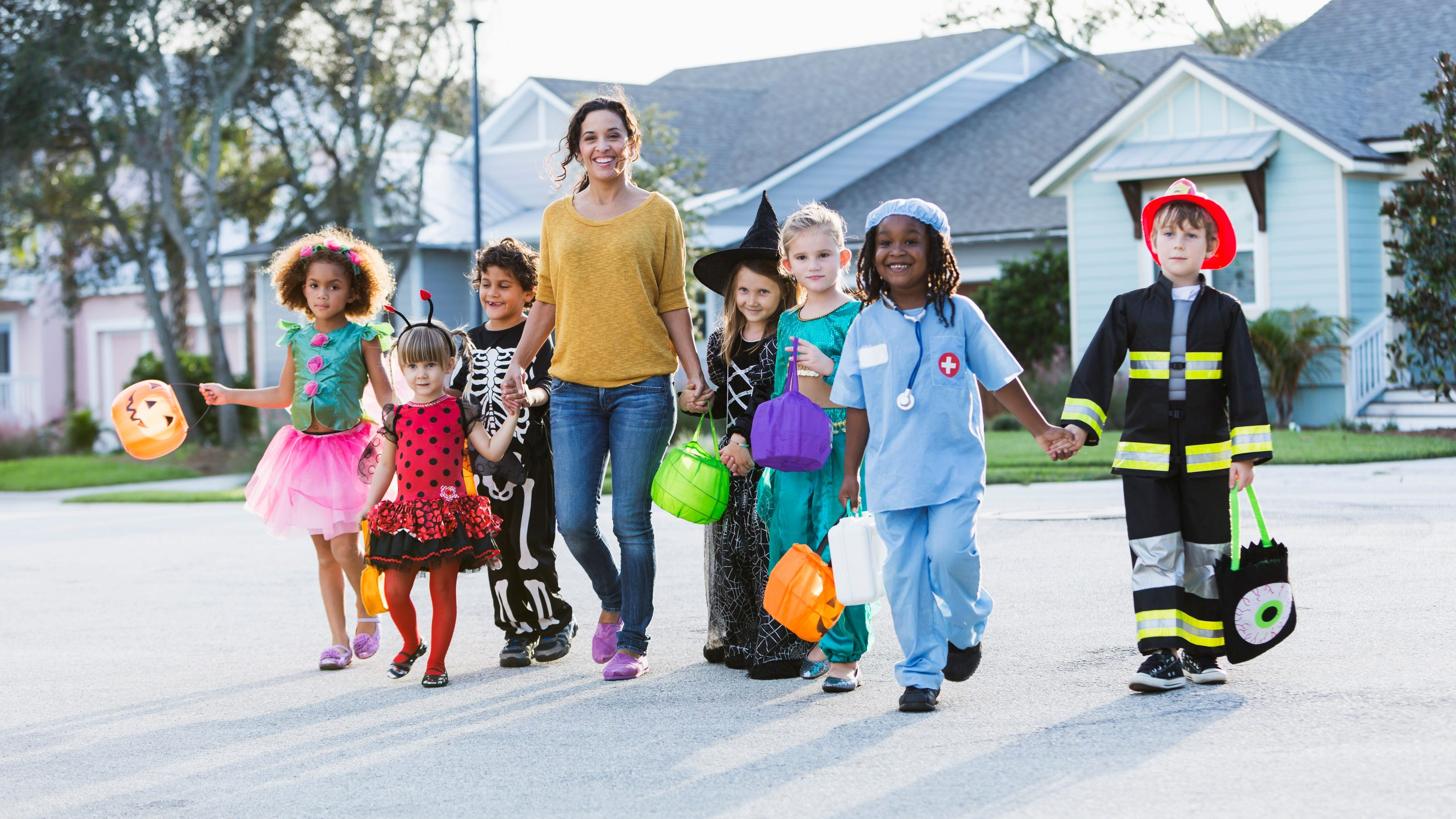 cheap and easy diy halloween costumes for you or your kid