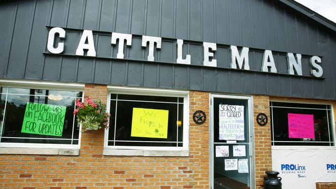 Judge Ronald Forsthoefel allows Cattlemans Restaurant in Savannah to be open for two more weeks while its lawsuit against the Ashland County Health Department is pending.