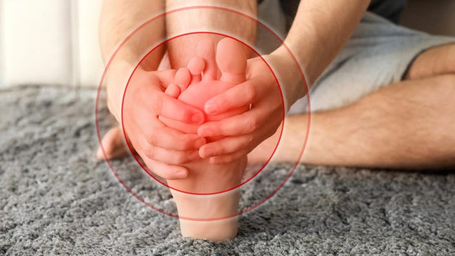 Foot pain and its various causes can cause difficulty walking or running and hinder one's ability to go about daily routines, including working.