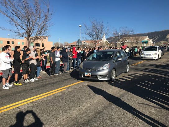 Canyon View High School students welcome Obie Nef home