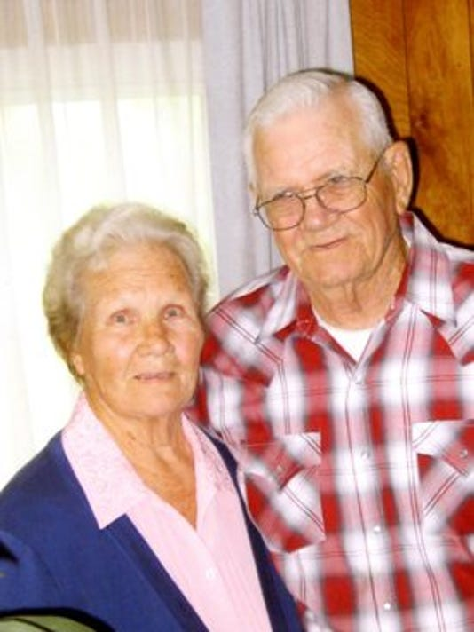 Anniversaries: Edna Pettit & Lyle Pettit