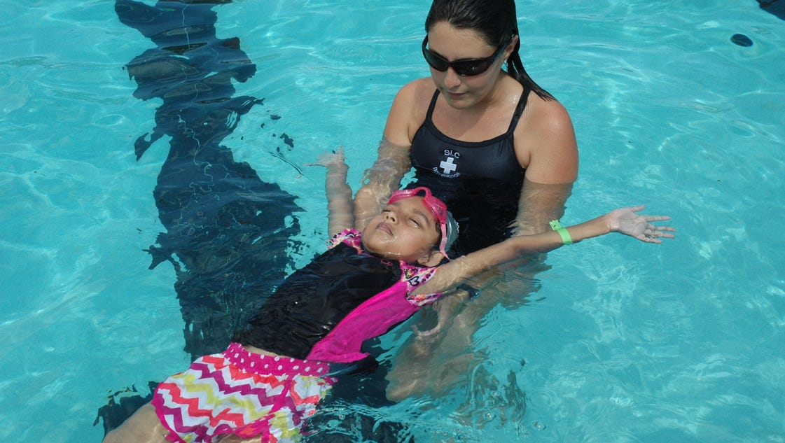 Ravenswood Pool To Offer Swim Lessons Starting April 10