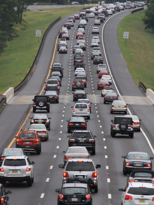 Labor day traffic builds up on garden state parkway for Garden state parkway traffic