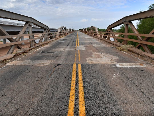 The existing State Highway 79 bridge over the Red River was constructed in 1939 and is being replaced by a new one later this year. Crews will close one lane next week and control traffic with a temporary signal.