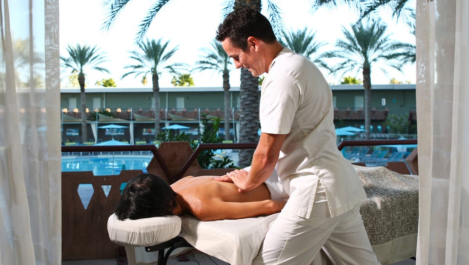 VH Spa at Hotel Valley Ho has discounts on spa services