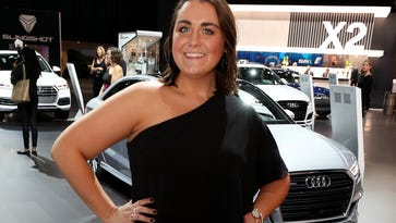 Detroit auto show gala: People looked nice, but where is the excitement?