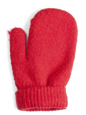 Mittens or gloves? The debate goes on.