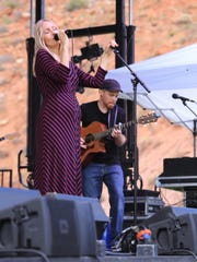 Victoria Lagerström and Dave Tate perform with their