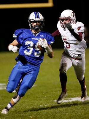 St Mary's Springs Academy football's Clay Schueffner runs for a touchdown against Mayville in the last regular season game of the year Thursday October 13, 2016. Doug Raflik/USA TODAY NETWORK-Wisconsin