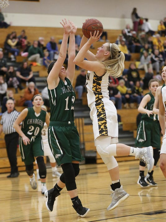 FON 010517 waupun girls bball vs kml 0019