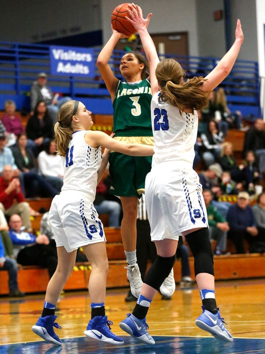 636221014524614515-FON-020717-sms-vs-laconia-girls-bball-0058-.jpg