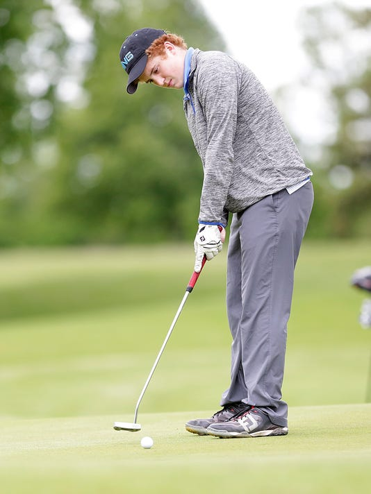 636317613861590639-FON-wiaa-div-3-sectional-golf-052917-dcr164.jpg