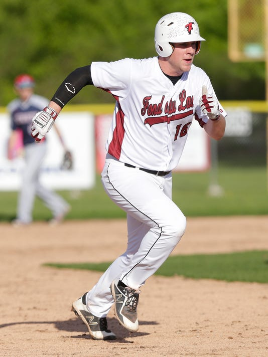 636626192134064540-FON-fdl-vs-app-east-baseball-052218-dcr116.jpg