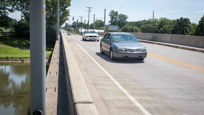 Preparations will begin soon for a project to replace the East Jackson Street bridge near Bunch Boulevard, working on half the bridge at a time. One lane will remain open to traffic during the project.