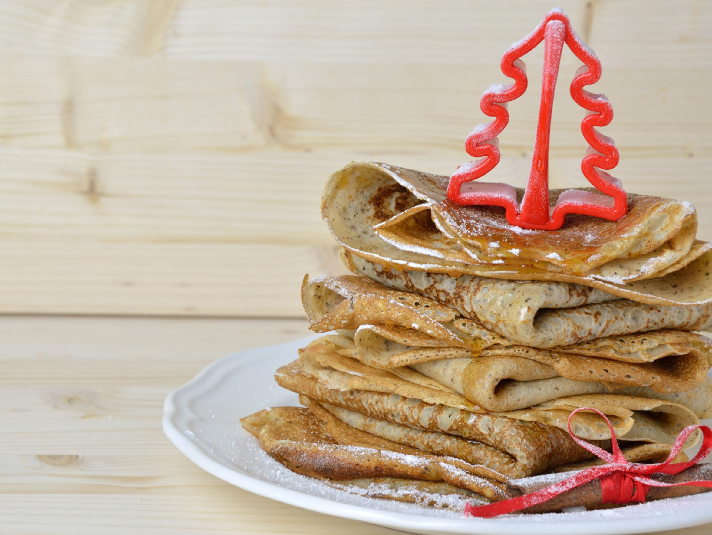 Hotcakes and Holly will  be held from 7-10:30 a.m.