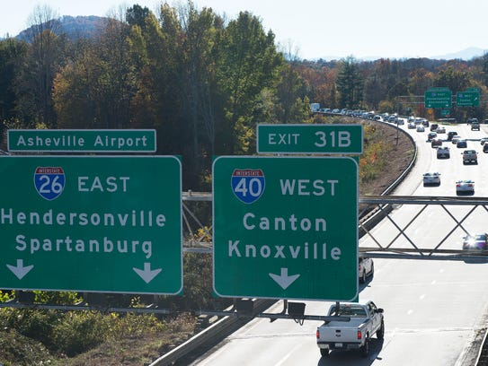 Traffic begins to congest in the south bound lanes