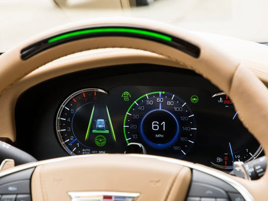 A steering wheel light bar and cluster icons indicates