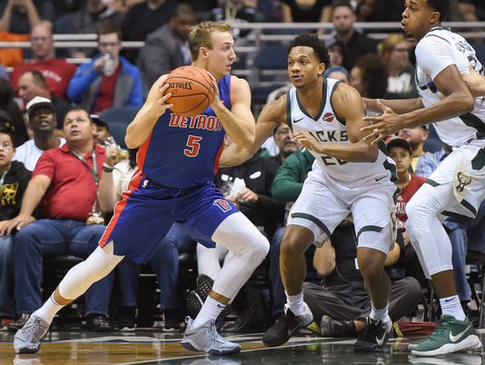NBA: Preseason-Detroit Pistons at Milwaukee Bucks