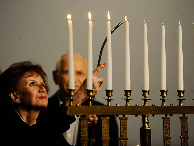 A fourth candle is lit in memory of Rabbis, teachers