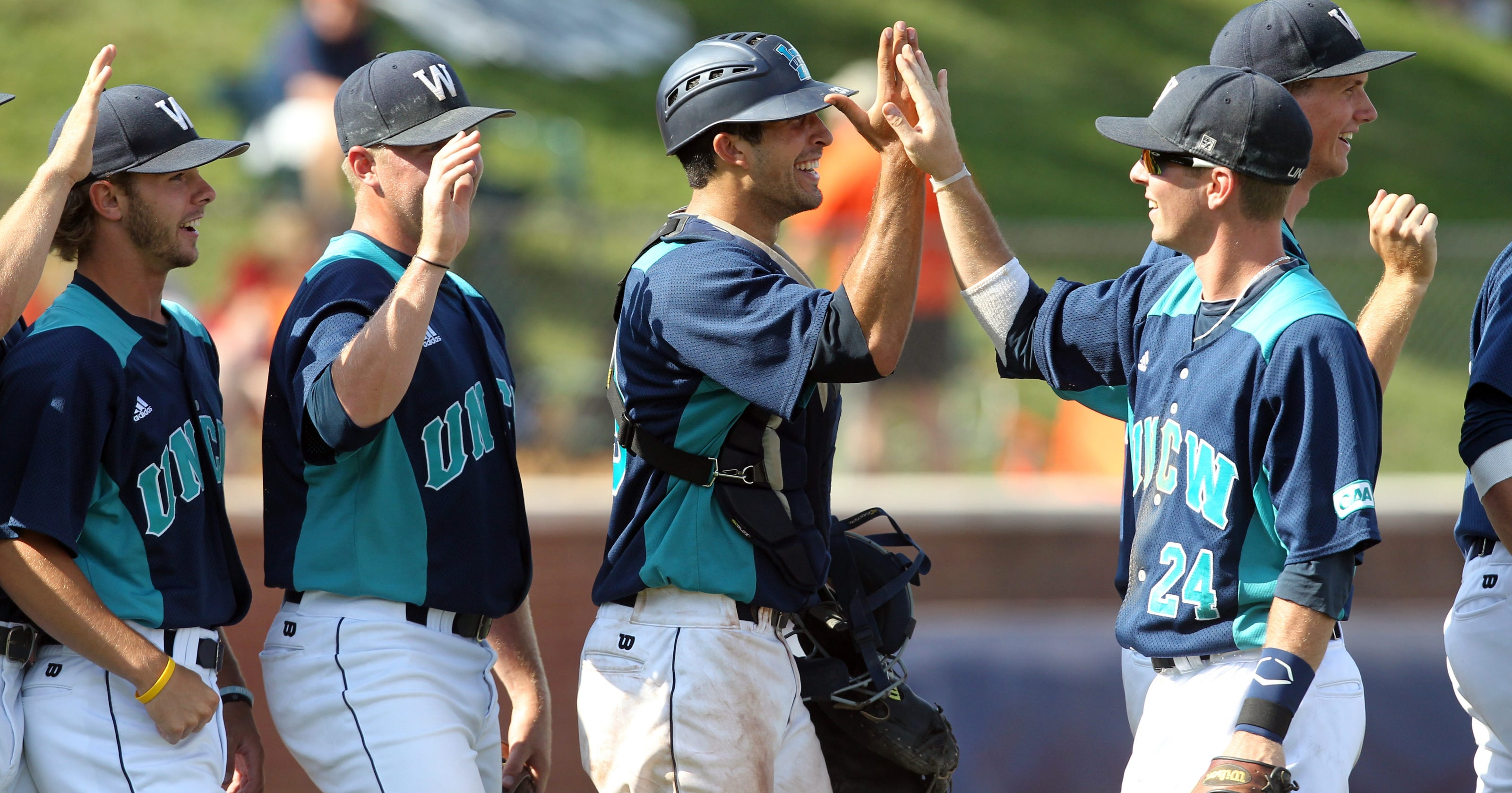 NCAA baseball tournament: UNC Wilmington eliminates Army ...: http://www.usatoday.com/story/sports/college/2013/06/01/ncaa-baseball-tournament-2013-unc-wilmington-army-triple-play/2381083/