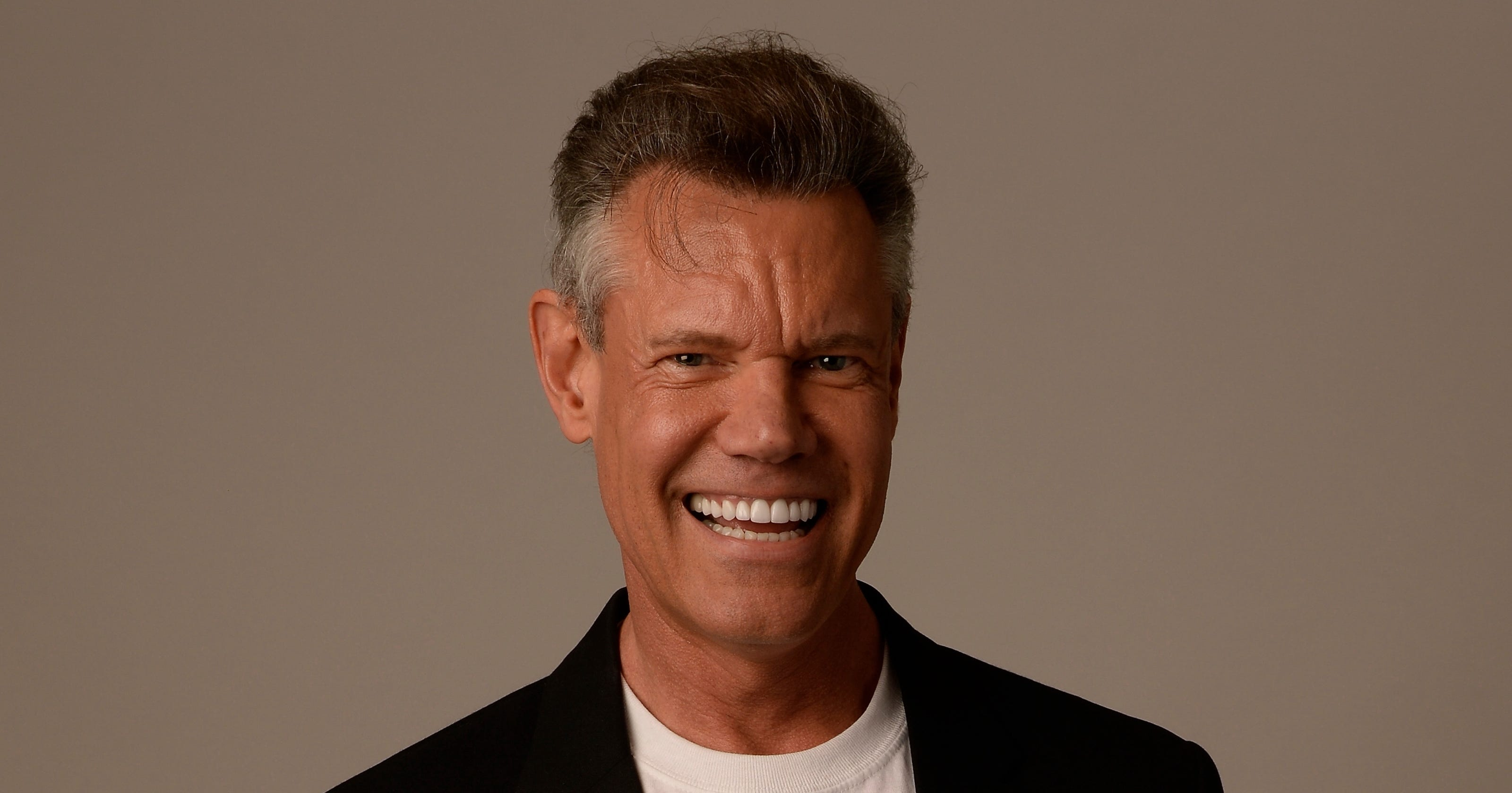 Randy Travis Today >> Randy Travis' heart trouble could be life-threatening