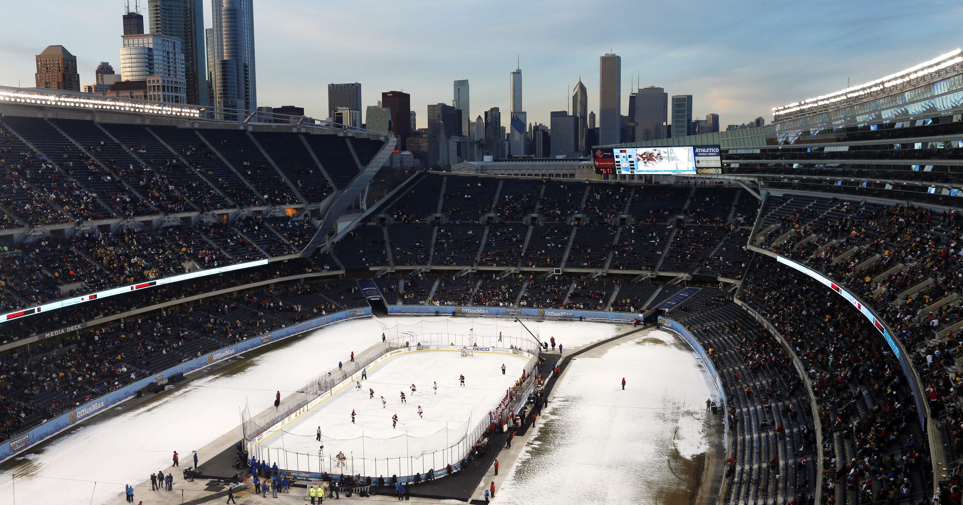 penguins blackhawks to play at chicago 39 s soldier field. Black Bedroom Furniture Sets. Home Design Ideas